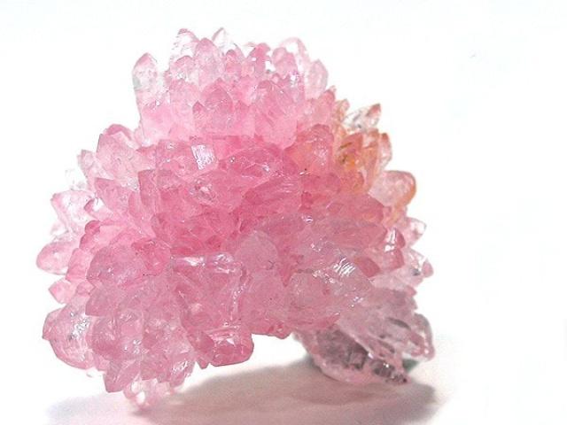 Quarzo Rosa: una soffice nuvola rosa sul nostro cuore.